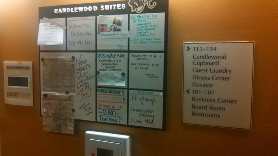 Candlewood Suites Hotel Sterling: If you are from out of town make sure to check the info board, very helpful.  It is right by the