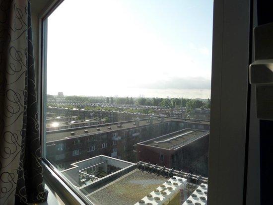BEST WESTERN Blue Tower Hotel: vu gauche de la  fenêtre de la chambre