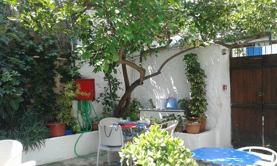 Pension Kir Sotos: Cortile interno comune