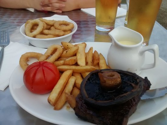 Passage House Inn : Steak and Stilton Sauce