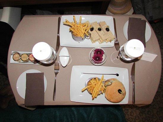 EPIC SANA Lisboa Hotel: Room Service