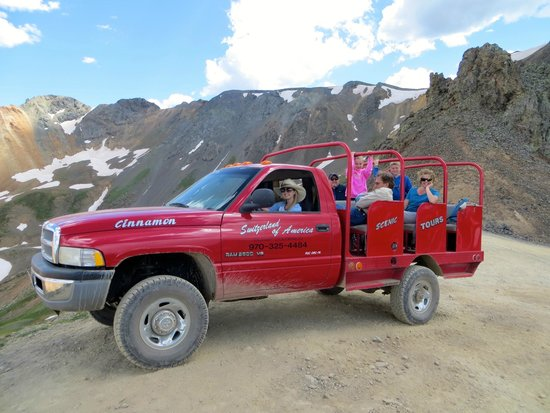 Switzerland of America Tours : Having fun with the jeep.