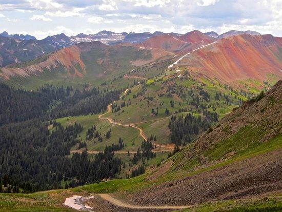 Switzerland of America Tours : Beautiful Red mountains