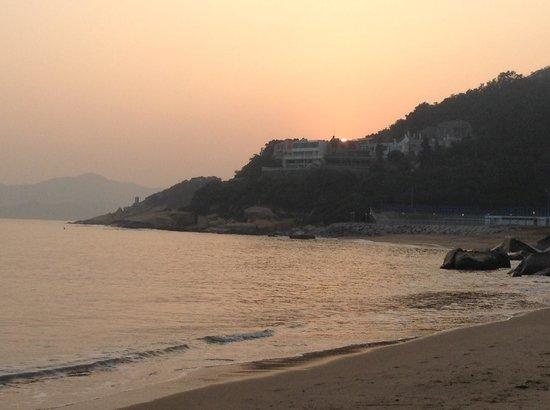 Pousada de Coloane Beach Hotel & Restaurant: Walk from the hotel to beach to enjoy sunset