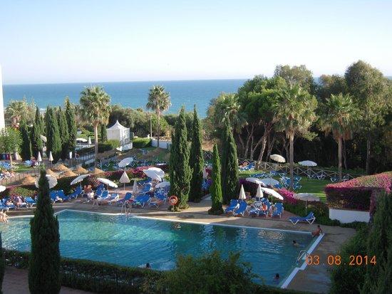 Zona de piscina picture of hotel fuerte conil costa for Piscina conil