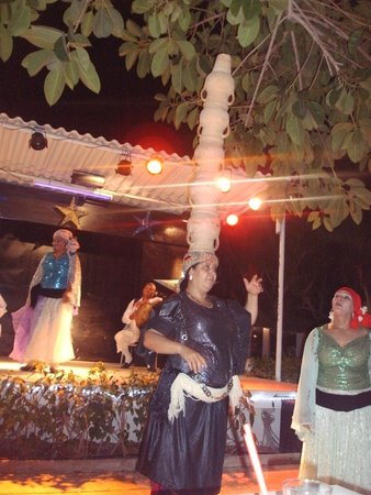 Hotel Kanta: belly dancers & tunisia style night