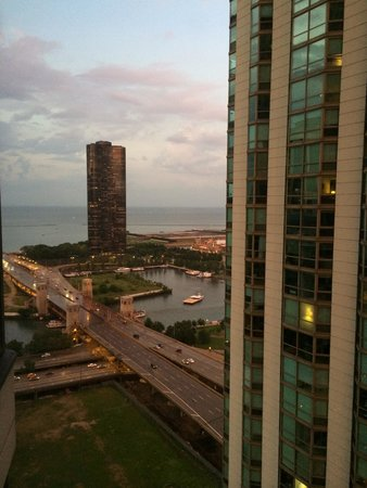 Manilow Suites At North Harbor Tower: View at dusk to the left from my apartment