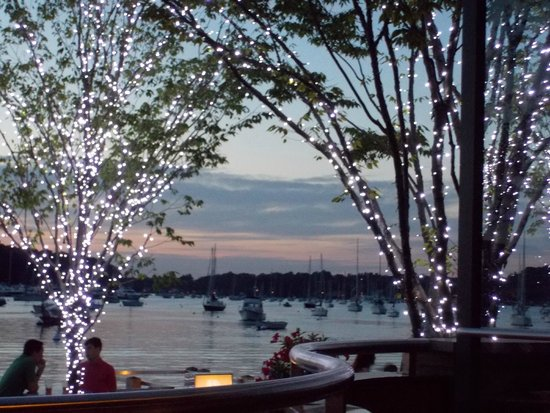 Prime Restaurant: enter atmospheric lighting after the sun has faded into the horizon - MAGNIFICENT!