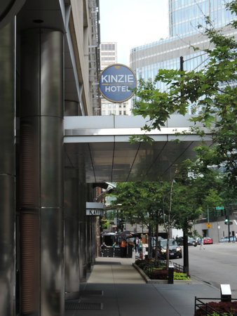Kinzie Hotel: Outside