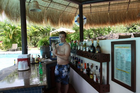 East Winds: Make your own cocktails at the swim-up bar