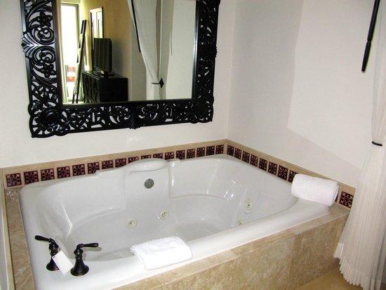 Cabo Azul Resort: In room spa.