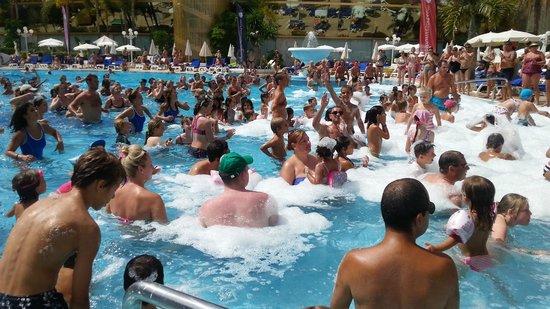 Mediterranean Palace Hotel : Fiesta de la espuma  los miercoles