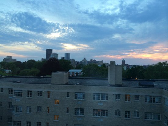 The Strathallan Rochester Hotel & Spa - a DoubleTree by Hilton: view of downtown Rochester