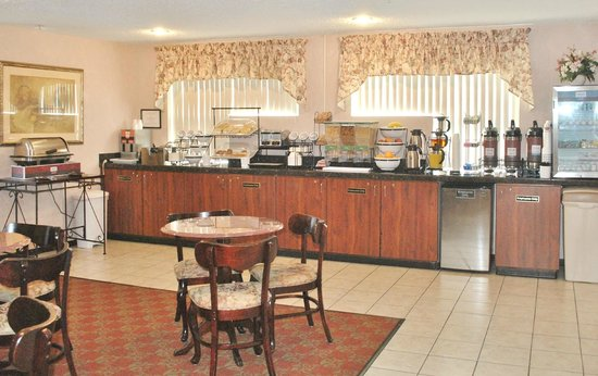 Comfort Inn Port Orchard: Breakfast Room