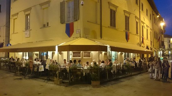 Ristorante Enoteca Berghi : Get an outside table for you can...
