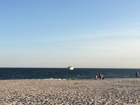 Cape May City Beaches: Clean water & sand beach