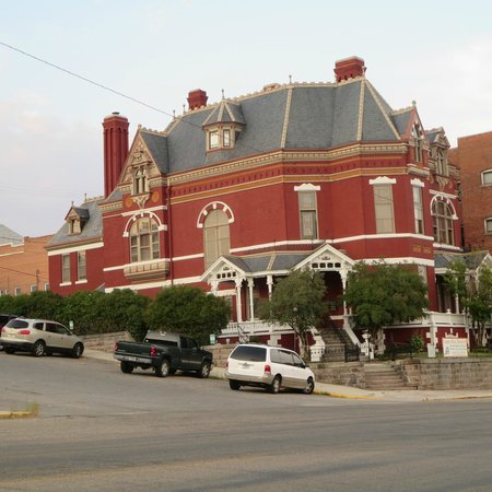 Butte Trolley Tour: The Copper King Mansion - B&B and tours available