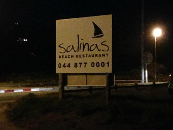 Salinas Beach Restaurant : Restaurant sign