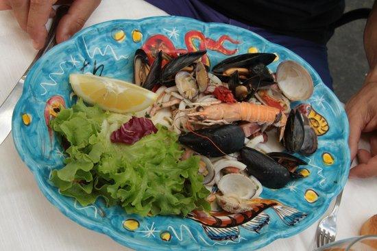 Torre Normanna Restaurant : insalata di mare