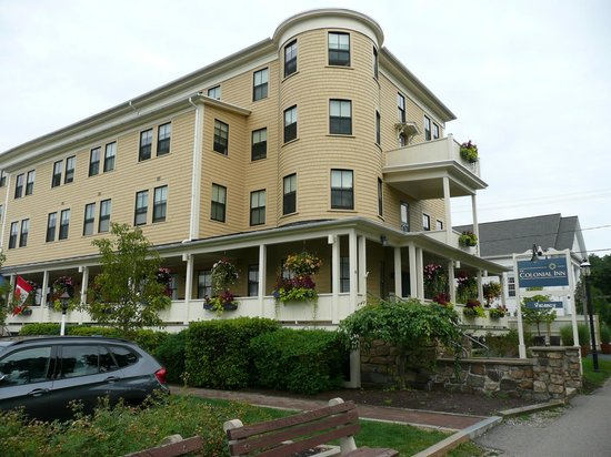 The Colonial Inn: Hotel view from Shore Road
