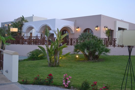 Lindian Village: территория отеля