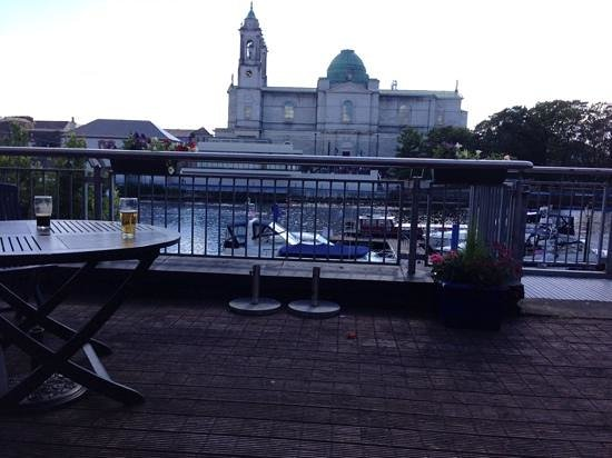 Radisson Blu Hotel, Athlone : view from the deck area