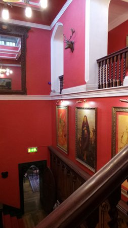 Kinnitty Castle Hotel: Stairs and Hall