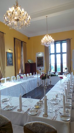 Kinnitty Castle Hotel: private dining room for a small wedding