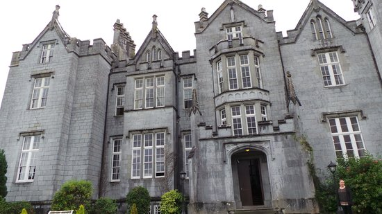 Kinnitty Castle Hotel: Front of Castle