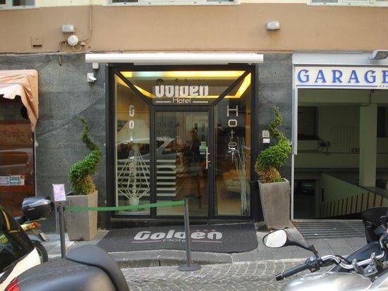 Golden Hotel: entrata Hotel