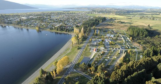 Te Anau Lakeview Holiday Park : Aerial Photo of Lakeview Holiday Park