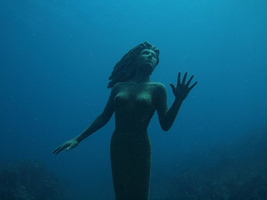 Sunset House: Iconic mermaid of the Caymans