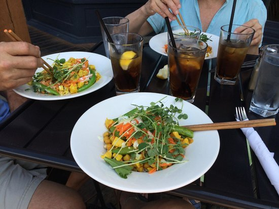 Jackson's Hole & Grill: Excellent Thai Curry dish for lunch