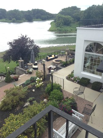 The Inn At Glen Sanders Mansion: The view from our room