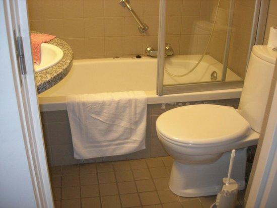 Hotel du Bassin : Salle de bain
