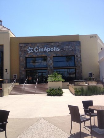 Cinepolis Luxury Cinemas : Front of Theater from Parking Lot