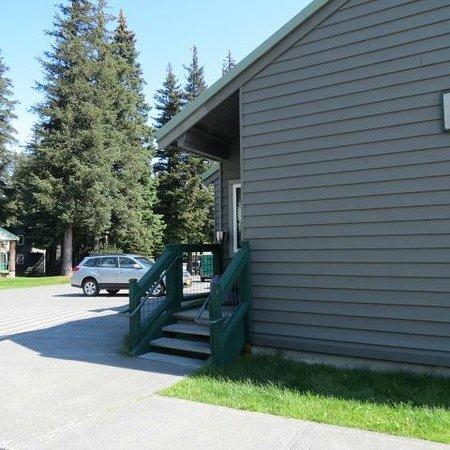 Seward Military Resort : Entrance to the room
