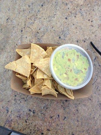 Bear Flag Fish Co.- Crystal Cove: Chips w/Avocado Dip