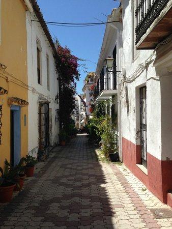 La Villa Marbella: Great location