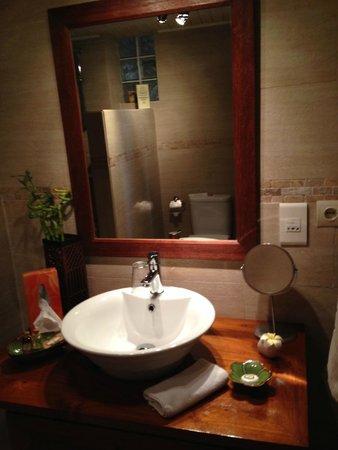 La Villa Marbella: Bathroom
