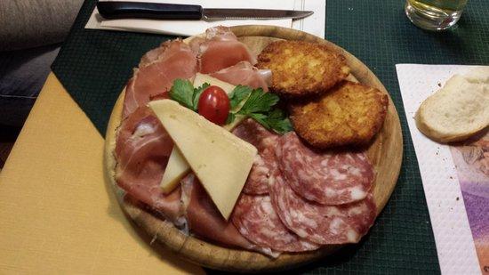 Ristorante Pizzeria Dolomiti: Tagliere misto