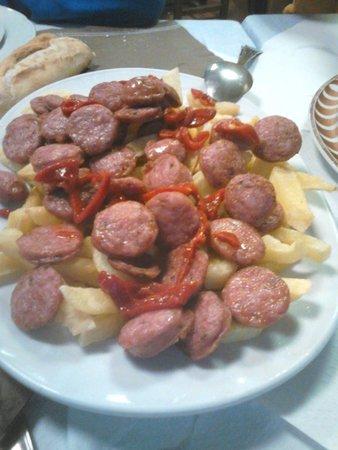 Santarua: Longaniza con patatas