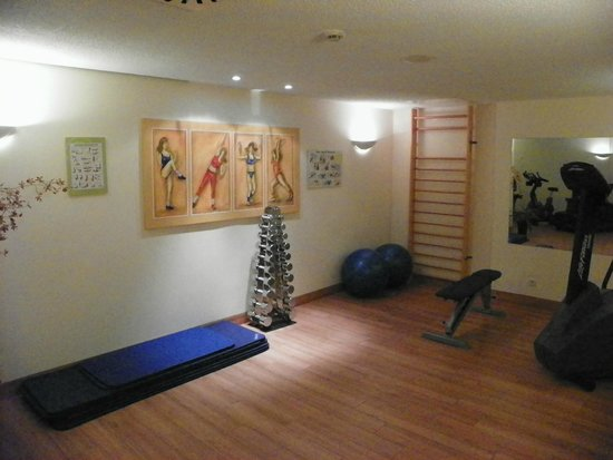 Travel Charme Gothisches Haus: fitness room view 2