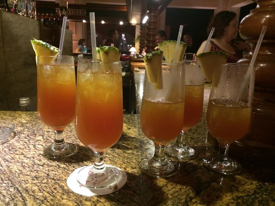 Majestic Colonial Punta Cana: 5 drinks please. No problem