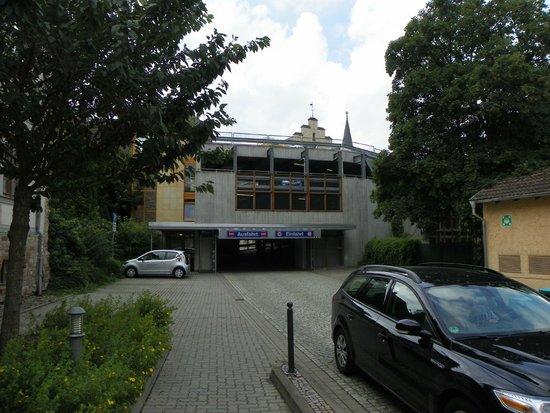 Travel Charme Gothisches Haus: parking structure