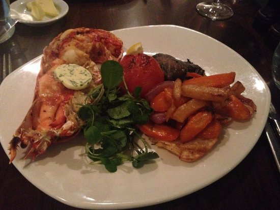 Playfair's Restaurant: Half lobster! Great with roast vegetables.