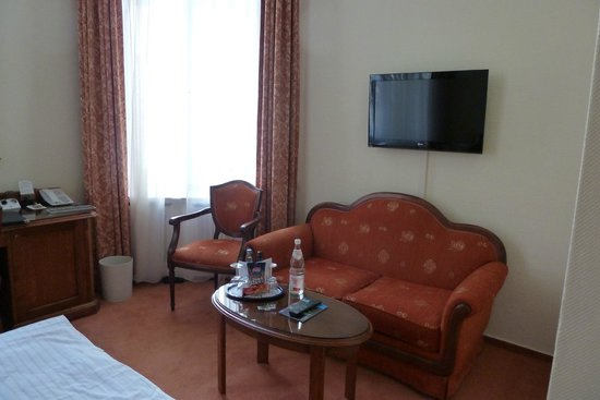 Henri Hotel Berlin: A relaxing room