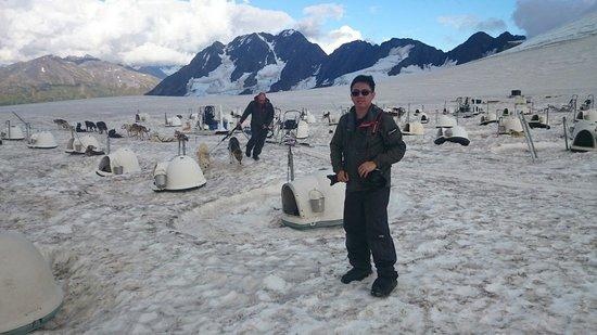 Alpine Air Alaska: Me at the dog sledding. Place