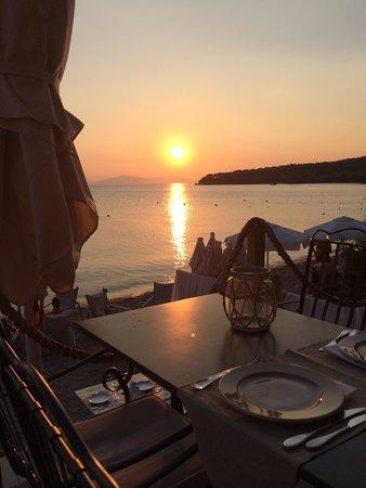 6 Keys - Seaside Lodge: Sunset dinner