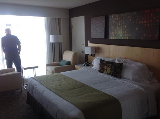 Delta Hotels Victoria Ocean Pointe Resort : lovely spacious rooms